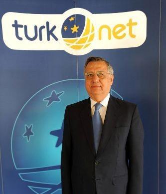 1376476591_turknet-yonetim-kurulu-baskani-mehmet-celebiler-turkiyenin-kopru-konumunu-degerlendirip-komsu-ulkelere-acilacagiz-1-kopya.jpg