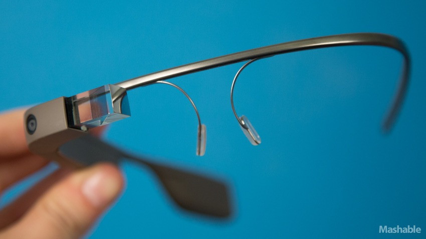 1377363059_google-glass-2-of-12.jpg