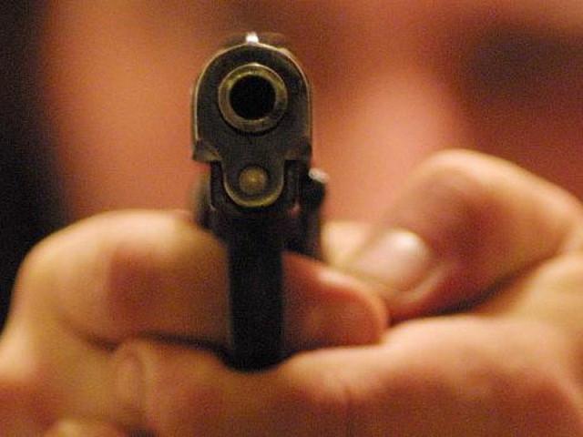 1377510725_pistola.jpg