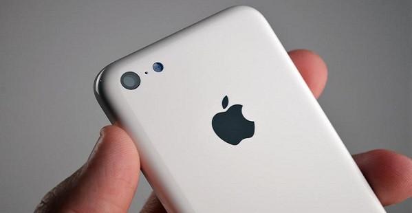 1377682765_apple-iphone-5c-leak-bgr.jpg