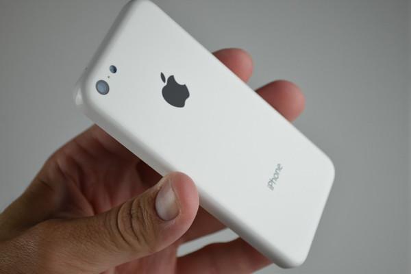 1378728735_iphone-5c-3.jpg