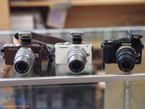 1378805701_olympus-cameras-front.jpg
