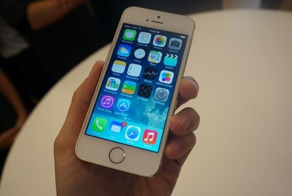 1378841162_iphone-5s-theverge-41020largevergemediumlandscape.jpg