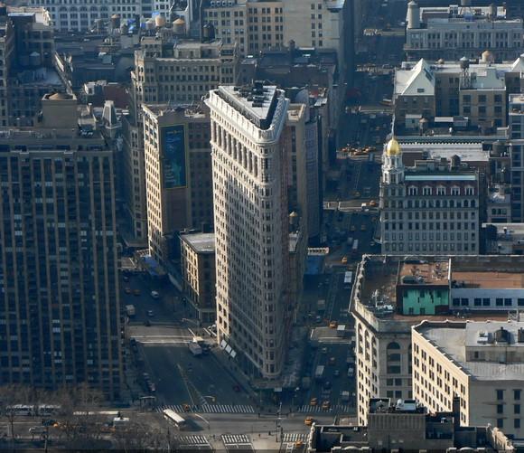 1379243651_flatiron-building-depuis-observatoire-empire-state.jpg