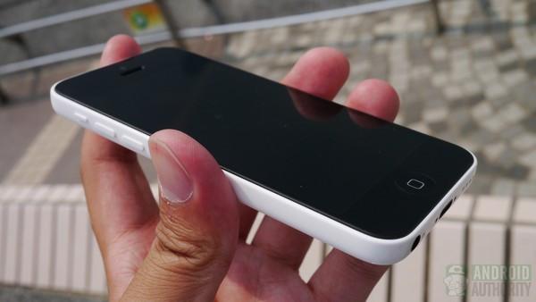 1379681962_iphone5c-in-hand-front-side-hk-1-aa-kopyala.jpg