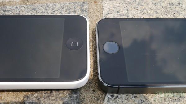 1379682084_iphone5c-vs-iphone5s-front-cement-18-aa-kopyala.jpg