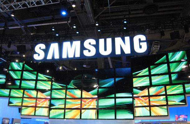 1381237141_samsung-event-display-booth-focus-s-ii-2-windows-phone-8.jpg