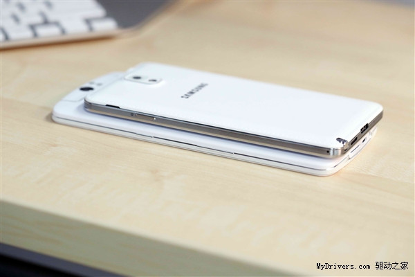 1382033695_oppo-n1-vs-galaxy-note-3-2.jpg