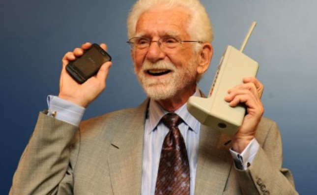1382385644_martin-cooper-inventor-of-cell-phone-650x400-645x396.jpg