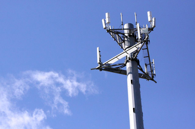 1382385874_cell-tower-1.jpg