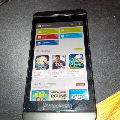 1384158952_blackberry.jpg