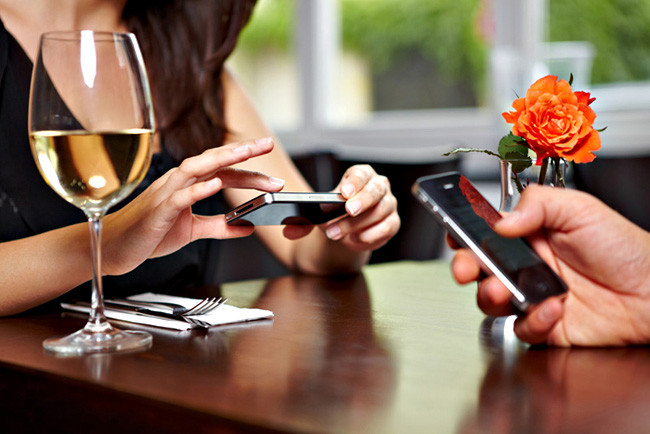 1385550666_restaurant-smartphone.jpg