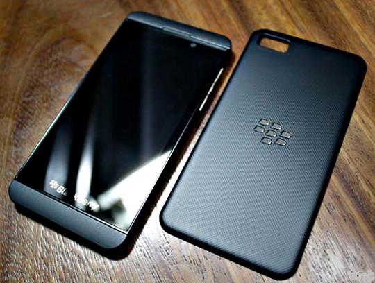 1386169022_blackberry-z10.jpg