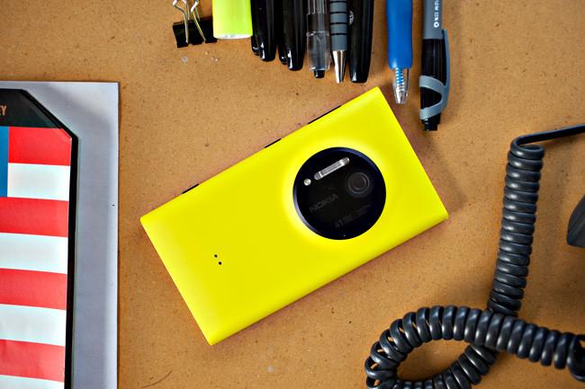 1387377314_nokia-lumia1020-03.jpg