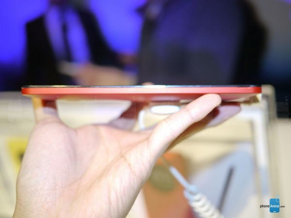 1389107065_asus-zenfone-6-hands-on-04.jpg.jpg