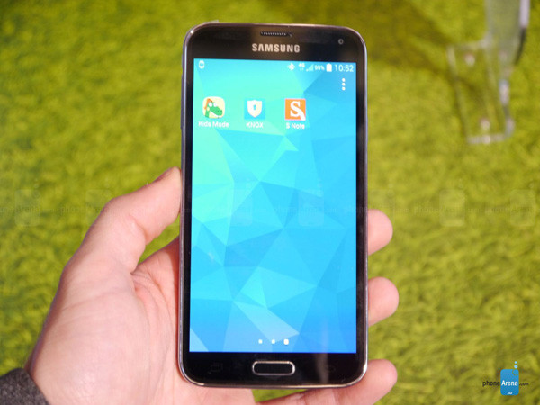 1393276087_samsung-galaxy-s5-hands-on-images-016.jpg