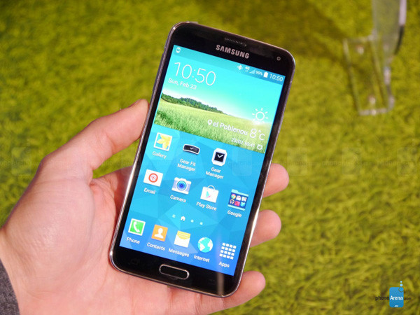1393276476_samsung-galaxy-s5-hands-on-images-001.jpg