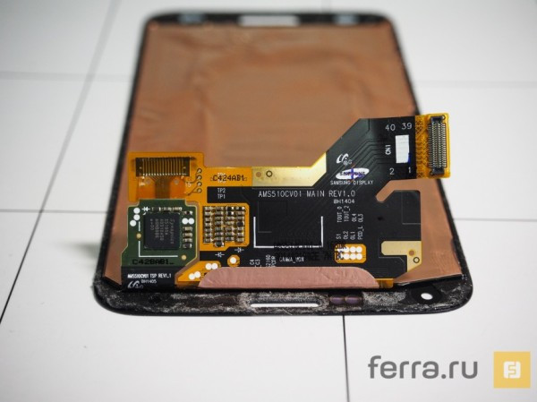1396077647_samsung-galaxy-s5-teardown-10.jpg