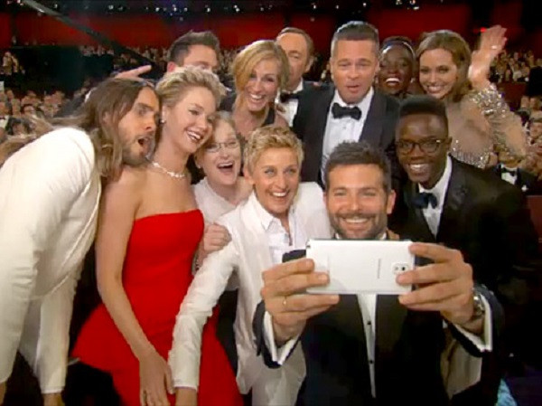 1396693771_1394132851ellen-degeneres-oscars-selfie-467.jpg