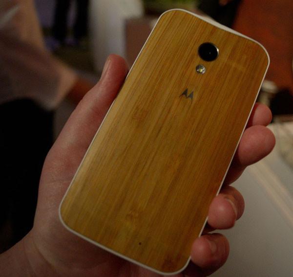 1397376960_moto-x-aa-wood.jpg
