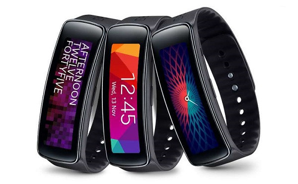 1397489594_samsung-galaxy-gear-fit-sam-gfitb-j2.jpg