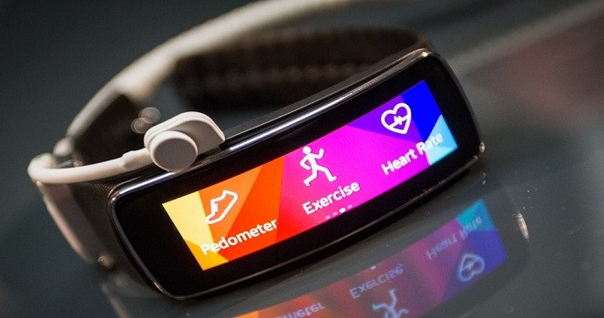 1397693427_samsung-gear-fit.jpg