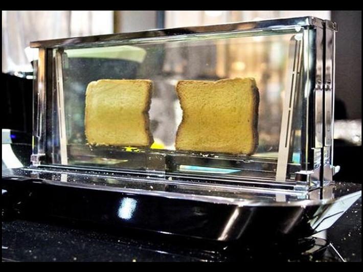 1398956690_the-toaster.jpg