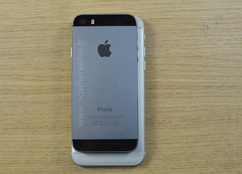 1399864468_dummy-of-apple-iphone-6-compared-with-the-apple-iphone-5s.jpg