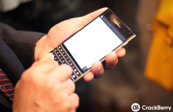 1403251927_blackberry-passport.jpg