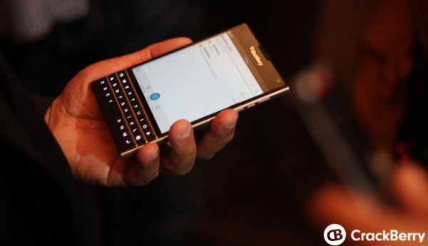 1403251983_the-blackberry-passport-and-blackberry-classic-6.jpg