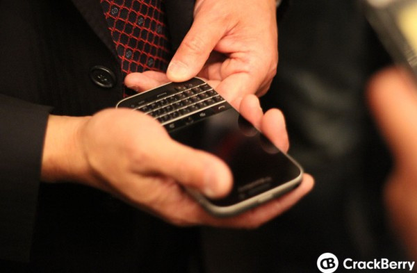 1403252004_the-blackberry-passport-and-blackberry-classic-9.jpg