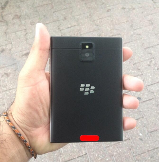 1403988788_more-pictures-and-video-of-the-blackberry-passport-1.jpg