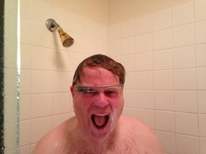 1407098417_scoble-glass-shower-710x532.jpg