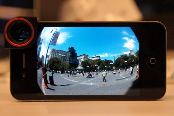 1408275758_lenses-and-other-accessories-for-your-smartphone-camera.jpg