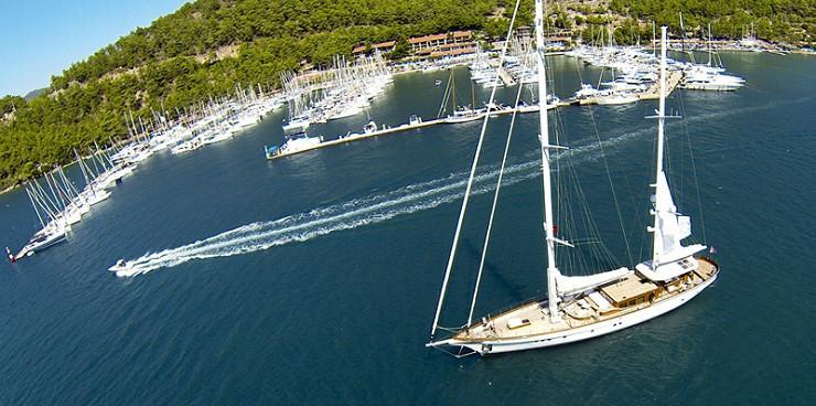 1411390938_marti-marina-yacht-club-2.jpg