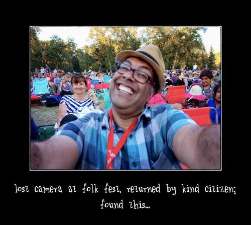 1411937942_lost-camera-selfie.jpg