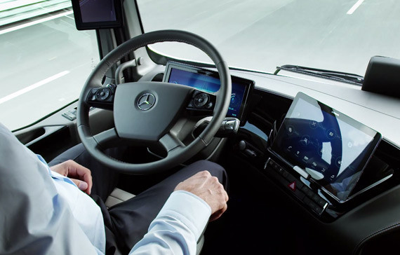 1412766807_mercedes-benz-future-truck-2025-2.jpg