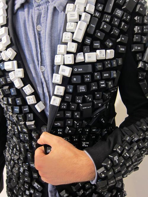 1413141641_jacket.jpg