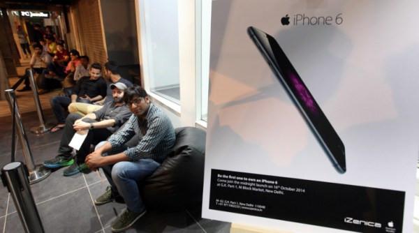 1413667976_iphone6-launch-india.jpg