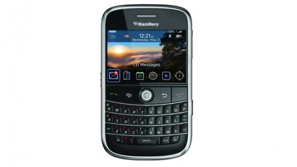 1414002395_blackberry-bold-9000-580-90.jpg