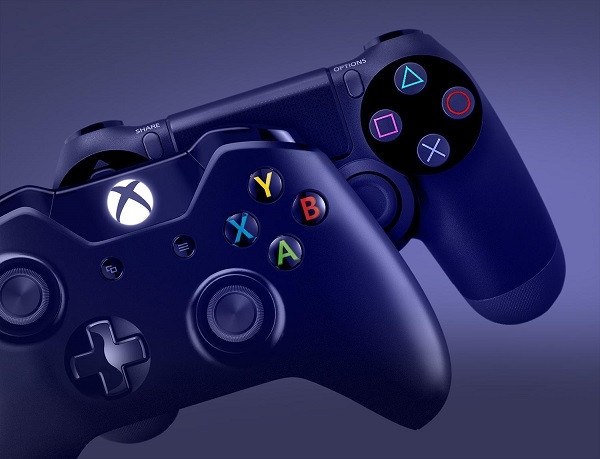 1415979511_xbox-one-playstation-4-controllers.jpg