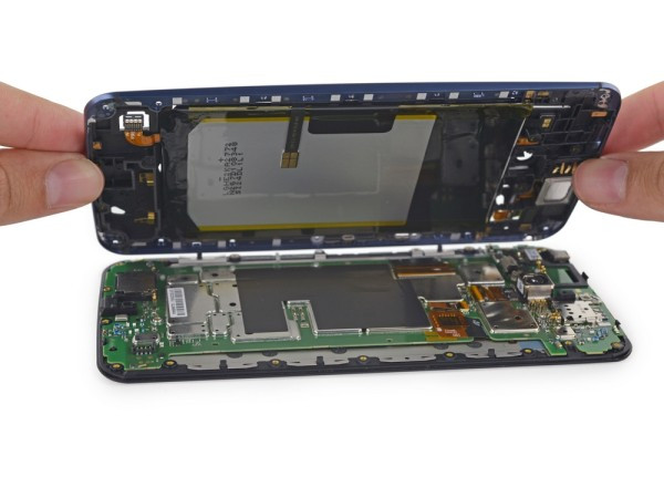 1416842591_google-nexus-6-disassembled-by-ifixit-6.jpg