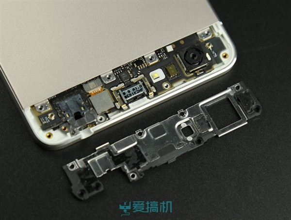 1418650787_vivo-x5-max-teardown-3.jpg