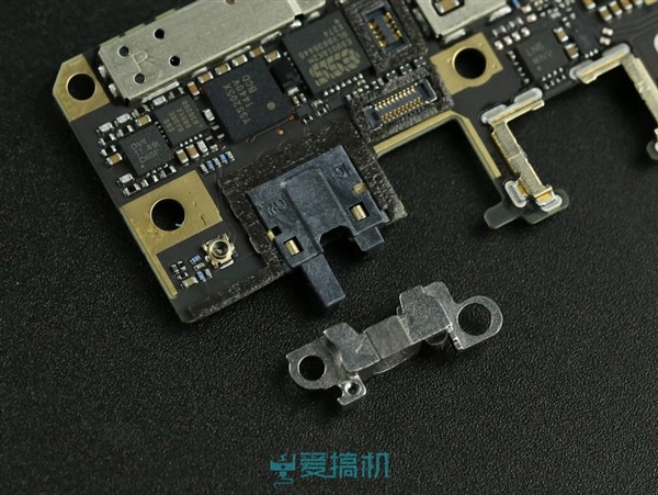 1418650928_vivo-x5-max-teardown-16.jpg