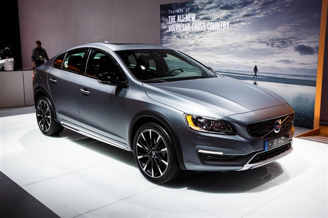 1421531900_volvo-s60-cross-country-5311-001.jpg