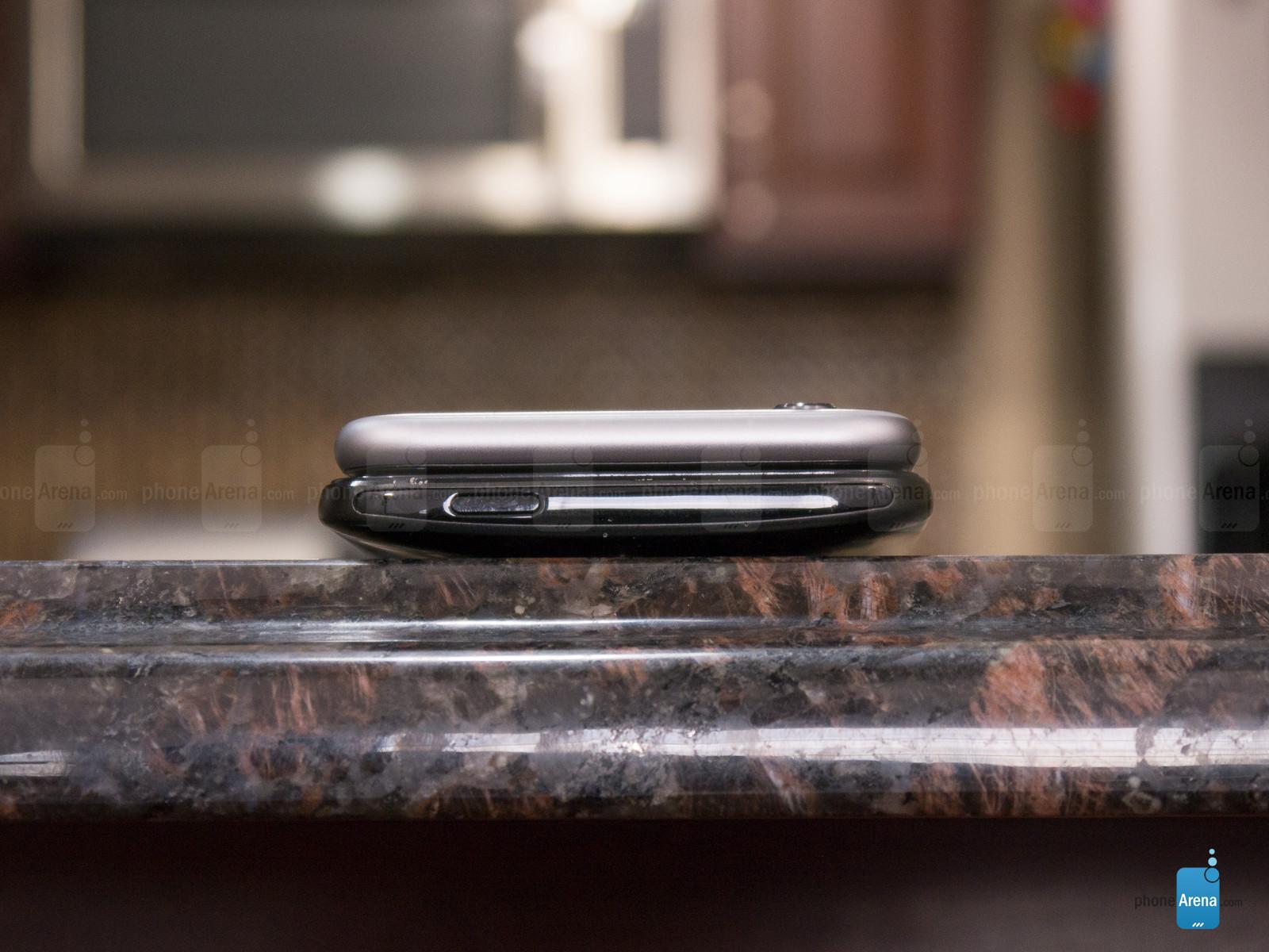 1422701078_iphone-6-versus-htc-one-m8-harmankardon-edition-11.jpg