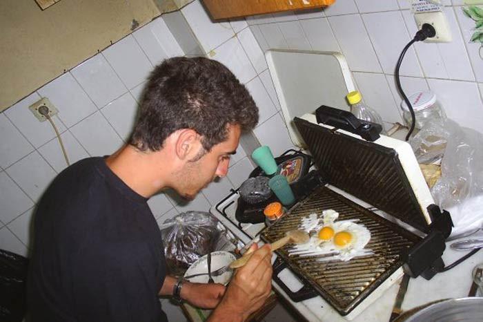 1425995040_tost-makinesinde-yumurta.jpg