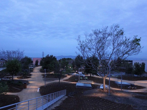 1427799859_one-of-the-highlights-of-the-new-building-is-a-nine-acre-roof-garden.jpg
