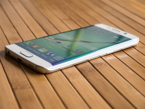 1428342072_galaxy-nbsps6-and-s6-edge-stress-test-videos-and-design-shots-9.jpg