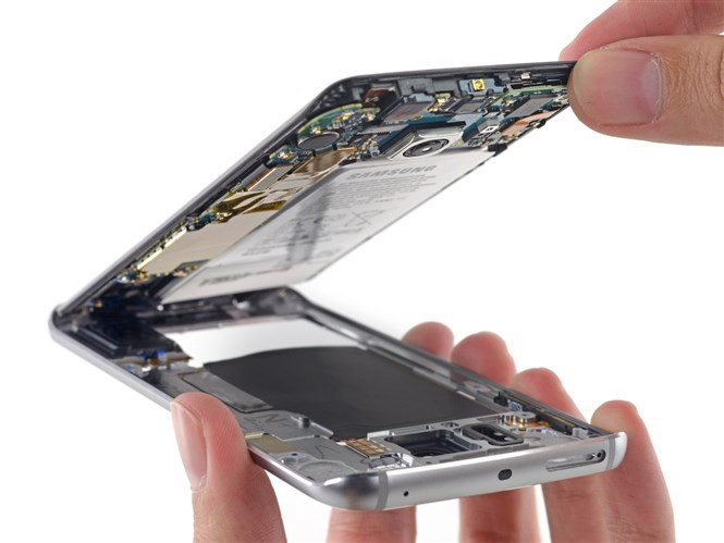 1428419490_galaxy-s6-edge-teardown-9.jpg